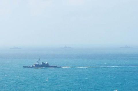 「まつゆき」が米海軍補給艦と洋上補給1