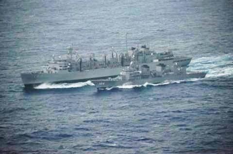 USNS「Rainier」との洋上補給の様子 画像No04