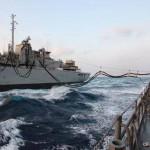 日米共同巡航訓練 「Rainier」との洋上補給の様子 海上自衛隊