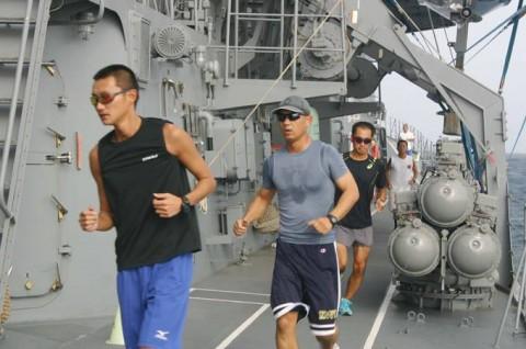 派遣海賊対処行動水上部隊(23次隊) 護衛艦「すずなみ」、「まきなみ」隊員の記録6