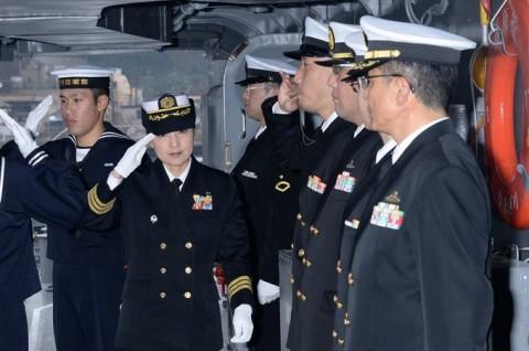 海上自衛隊の護衛艦に初の女性艦長就任2