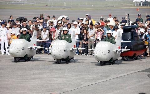 ミニP-3C(ミニバイク)による対潜水艦戦展示