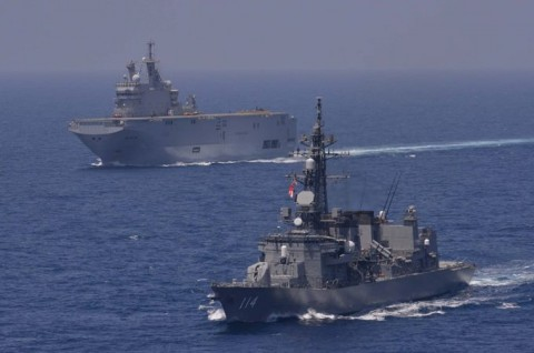 日フランス親善訓練 第23次海賊対処行動水上部隊「すずなみ」2