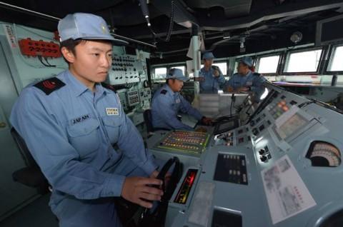 派遣海賊対処行動水上部隊(23次隊) 護衛艦「すずなみ」、「まきなみ」隊員の記録09