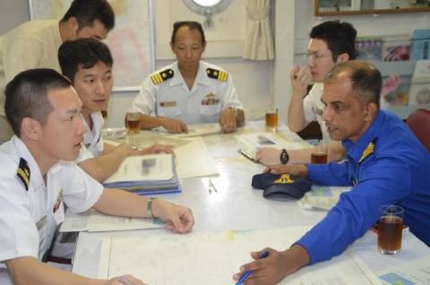 派遣海賊対処行動水上部隊(24次隊) 護衛艦「ゆうだち」・「ゆうぎり」隊員の記録402