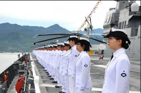 インドネシア海軍国際観艦式に参加 海上自衛隊 護衛艦「いせ」No3