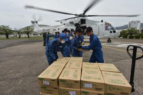 熊本益城町で発生した地震への災害派遣(掃海輸送ヘリコプター「MCH-101」NO02