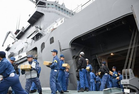 熊本益城町地震への災害派遣(輸送艦「おおすみ」)No2
