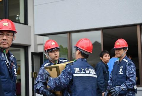 熊本益城町地震への災害派遣(輸送艦「おおすみ」)No3