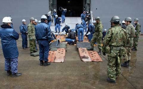熊本地震への災害派遣(護衛艦「いずも」小樽港)3