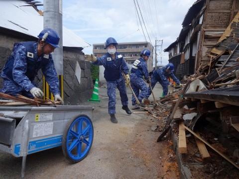 熊本地震への災害派遣(機動施設隊(八戸))01