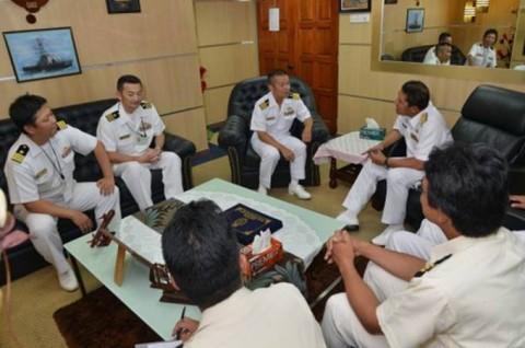 海上自衛隊 派遣海賊対処行動水上部隊(23次隊)のマレーシア寄港No02