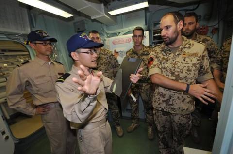 防衛省 海上自衛隊 派遣海賊対処行動水上部隊(24次隊) 記録5no05