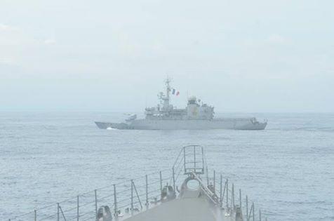 防衛省 海上自衛隊 フランス海軍との親善訓練 護衛艦うみぎりno1