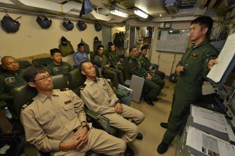 ソマリア ジプチ派遣海賊対処行動水上部隊(24次隊)ゆうだち11no03