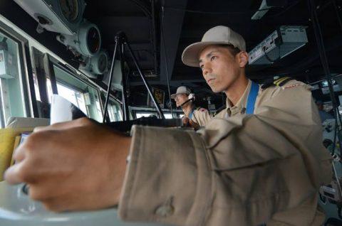 ソマリア ジプチ派遣海賊対処行動水上部隊(24次隊)ゆうだち11no06
