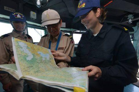 ソマリア ジプチ派遣海賊対処行動水上部隊(24次隊)ゆうだち11no09