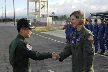 平成28年度米国派遣訓練(リムパック2016)海自八戸航空基地2ハワイ到着No2
