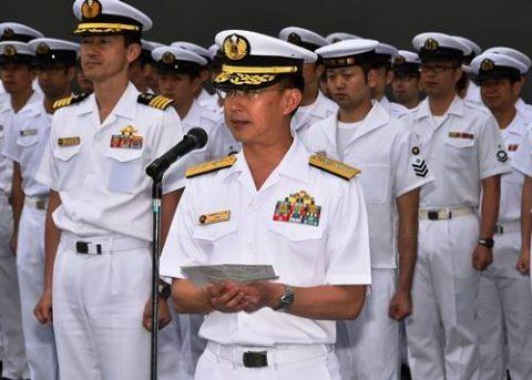 海上自衛隊の護衛艦「いずも」八戸港初入港入港から出港までの写真No05