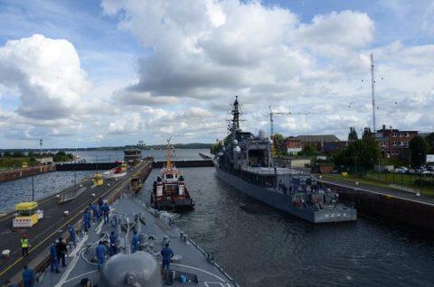 海上自衛隊2016年幹部候補生 練習艦隊 遠洋航海15リトアニアNo01