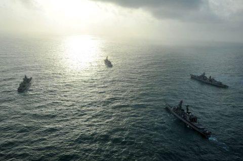 24次海賊対処行動水上部隊24 ゆうだち・ゆうぎりとインド海軍No02
