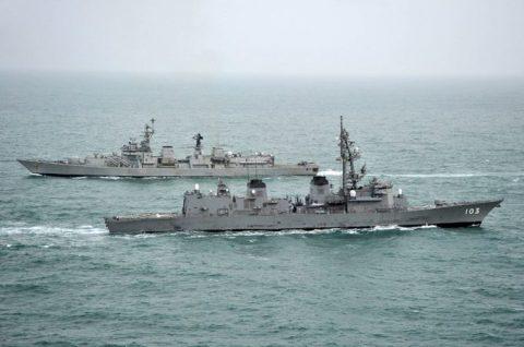 24次海賊対処行動水上部隊24 ゆうだち・ゆうぎりとインド海軍No05
