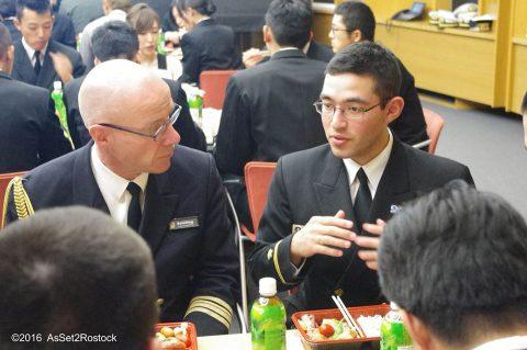 遠洋航海2016実習幹部が在ドイツ日本国大使館を研修する様子No05
