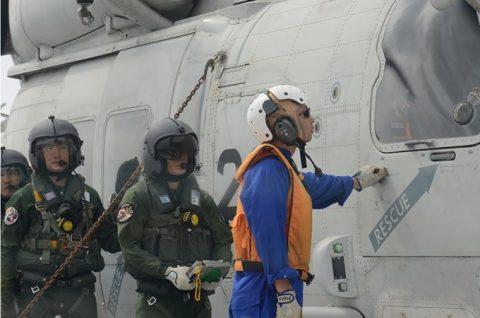 海上自衛隊 海賊対処行動水上部隊(25次隊)いなづま・すずつき6Nof4