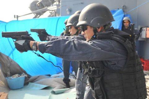 海上自衛隊 海賊対処行動水上部隊(25次隊)いなづま・すずつき6Nof5