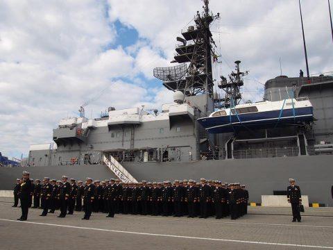 在リトアニア日本国大使館Facebookに練習艦隊寄港の記録が紹介No04