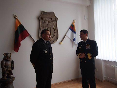 在リトアニア日本国大使館Facebookに練習艦隊寄港の記録が紹介No07