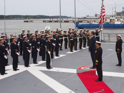 在リトアニア日本国大使館Facebookに練習艦隊寄港の記録が紹介No08