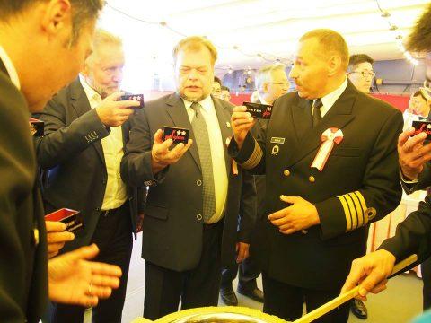 在リトアニア日本国大使館Facebookに練習艦隊寄港の記録が紹介No13