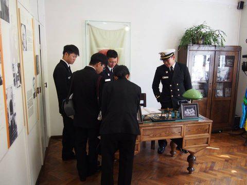 在リトアニア日本国大使館Facebookに練習艦隊寄港の記録が紹介No16