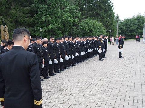 在リトアニア日本国大使館Facebookに練習艦隊寄港の記録が紹介No41