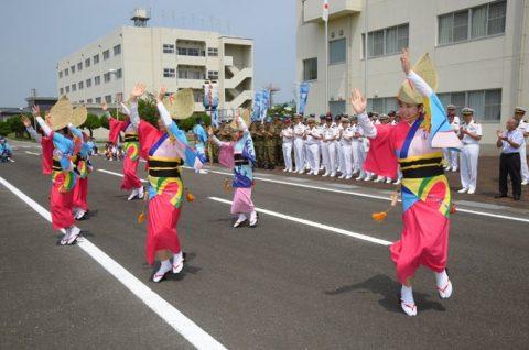 徳島教育航空群(徳島航空基地)「かもめ連」の阿波踊り出陣式と施設慰問1
