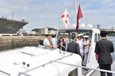 稲田朋美 防衛大臣 海上自衛隊 横須賀基地視察いずも・こくりゅうNo5