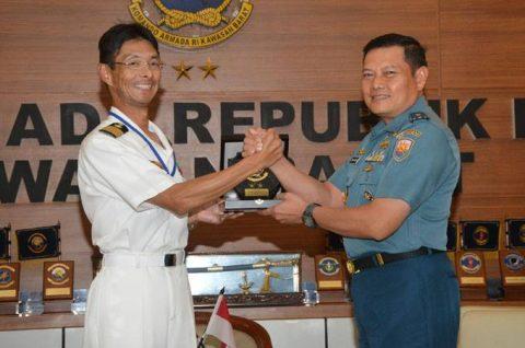 24次海賊対処行動水上部隊25 インドネシアのジャカルタに入港NO3