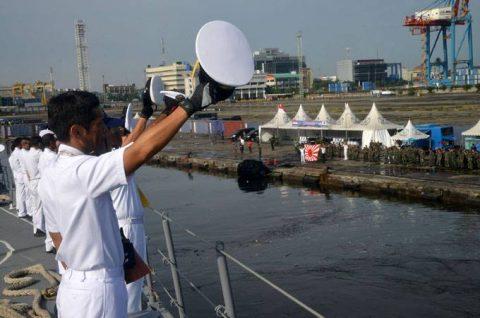 24次海賊対処行動水上部隊25 インドネシアのジャカルタに入港NO6