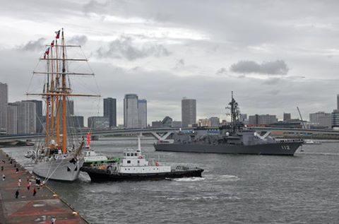 チリ海軍練習帆船「エスメラルダ」晴海ふ頭から出港No1