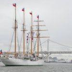 チリ海軍練習帆船「エスメラルダ」晴海ふ頭から出港