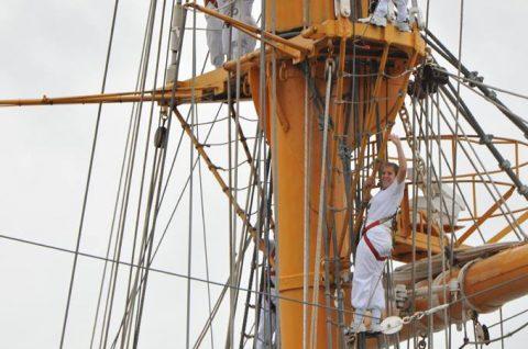 チリ海軍練習帆船「エスメラルダ」晴海ふ頭から出港No3