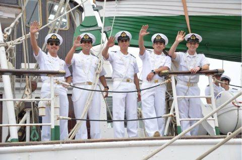 チリ海軍練習帆船「エスメラルダ」晴海ふ頭から出港No4