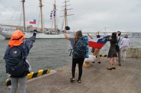 チリ海軍練習帆船「エスメラルダ」晴海ふ頭から出港No6