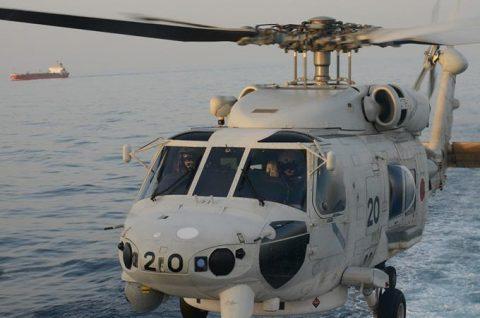 海自 海賊対処行動水上部隊(25次隊)15すずつき SH-60KNo1
