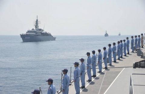 派遣海賊対処行動水上部隊(25次隊)16と練習艦隊の記録22No04