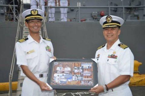 海賊対処水上部隊(24次隊)27フィリピン(マニラ)に入港No2