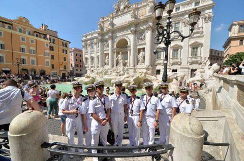 2016年幹部候補生 練習艦隊 遠洋航海19コロッセオ、トレビの泉No10