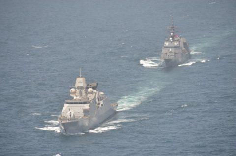 海上自衛隊 海賊対処行動水上部隊(25次隊)14すずつき 蘭海軍No01