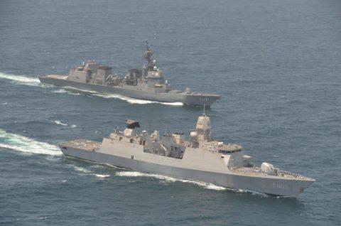 海上自衛隊 海賊対処行動水上部隊(25次隊)14すずつき 蘭海軍No02